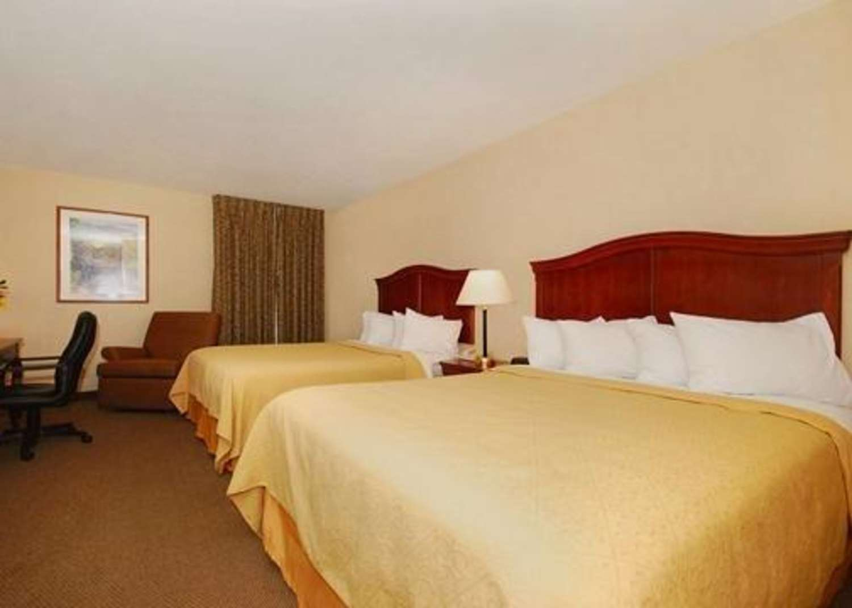 Room - Quality Inn & Suites Danville