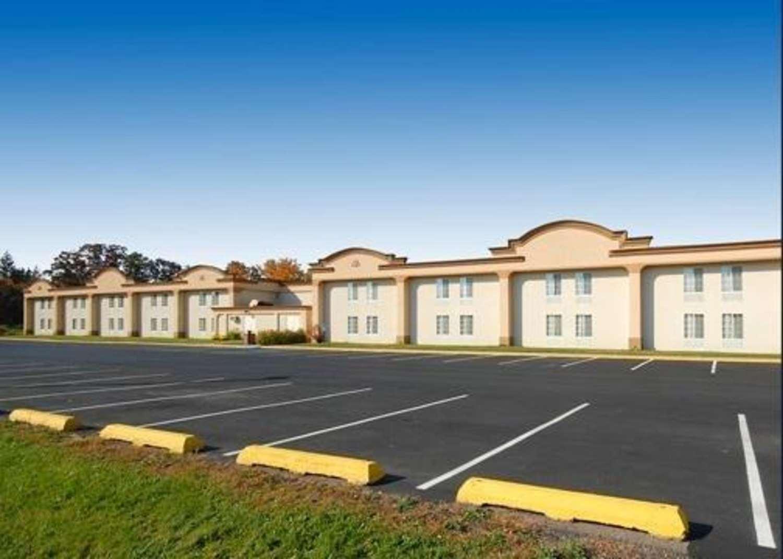 Exterior view - Quality Inn & Suites Danville