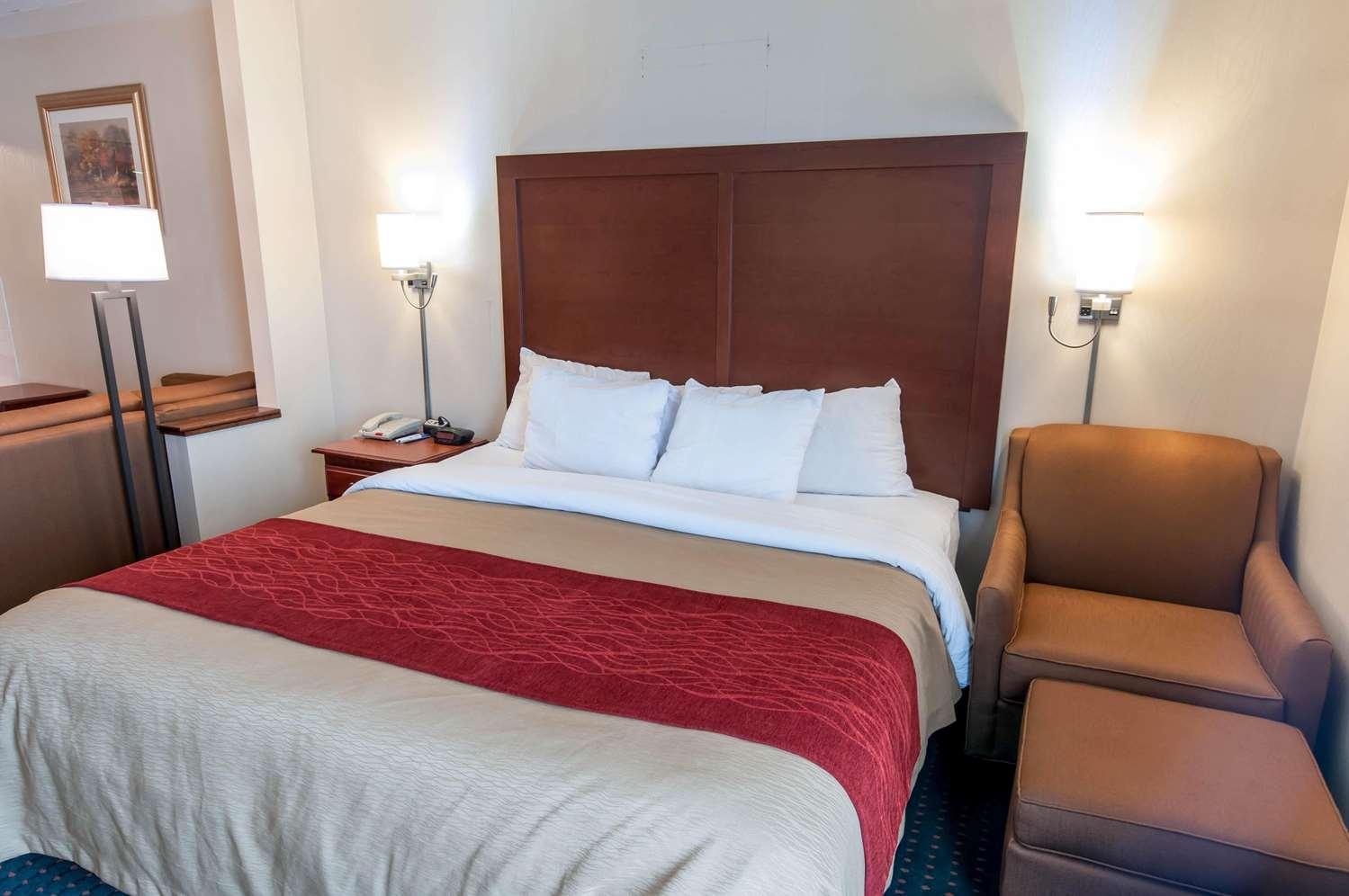 Room - Comfort Inn & Suites Mount Pocono