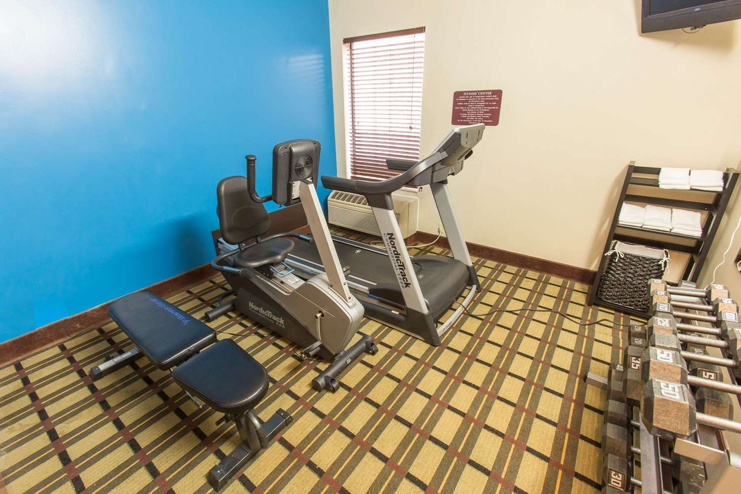 Fitness/ Exercise Room - Comfort Inn Pittsburgh