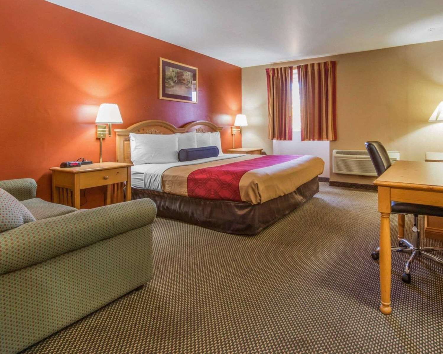 Room - Econo Lodge Hermitage