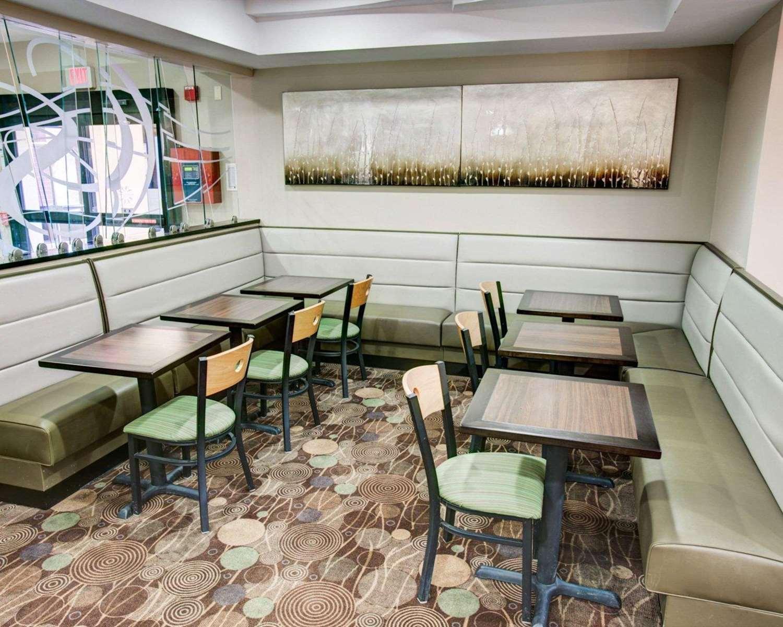 Restaurant - Comfort Suites Coraopolis