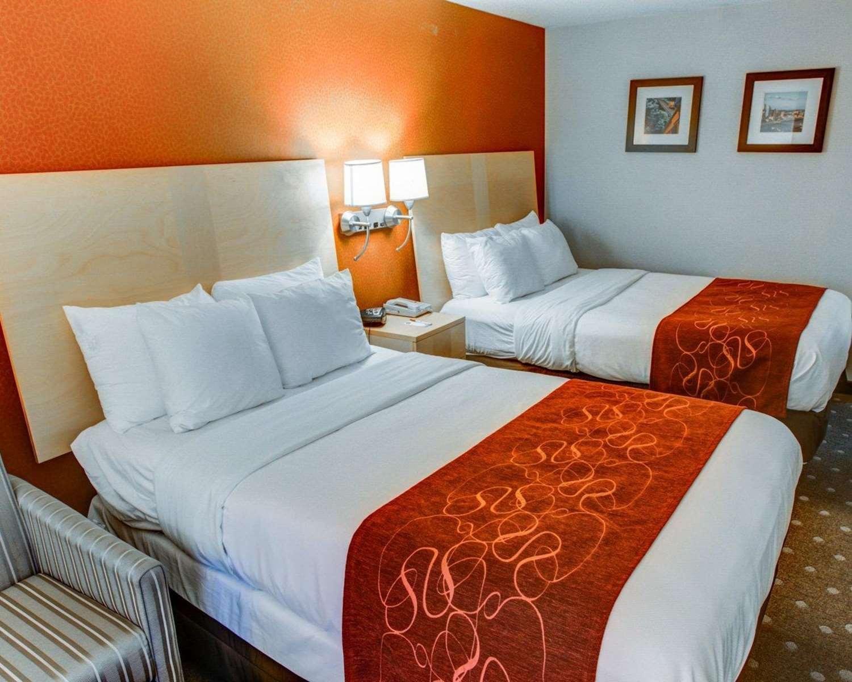 Room - Comfort Suites Coraopolis