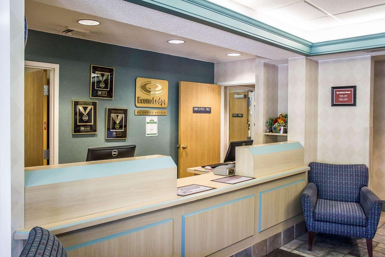 Lobby - Econo Lodge Meadville