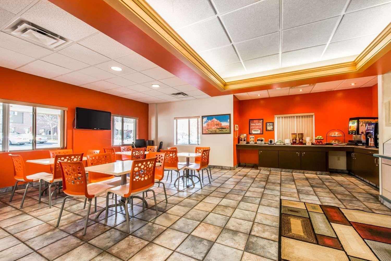 Restaurant - Econo Lodge Johnstown