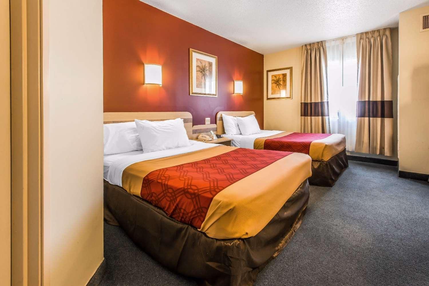 Room - Econo Lodge Johnstown