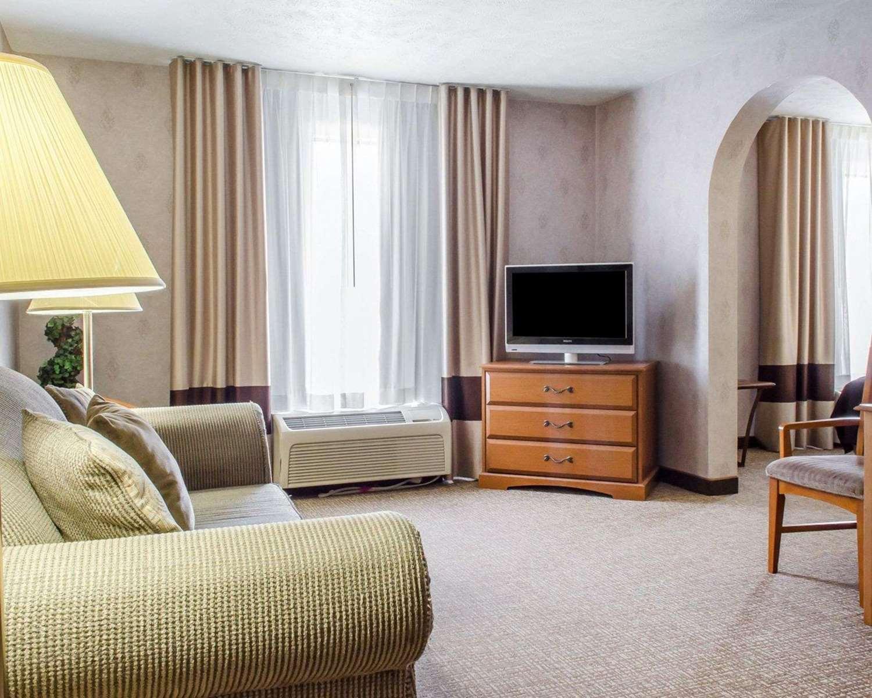 Suite - Comfort Inn Huntingdon