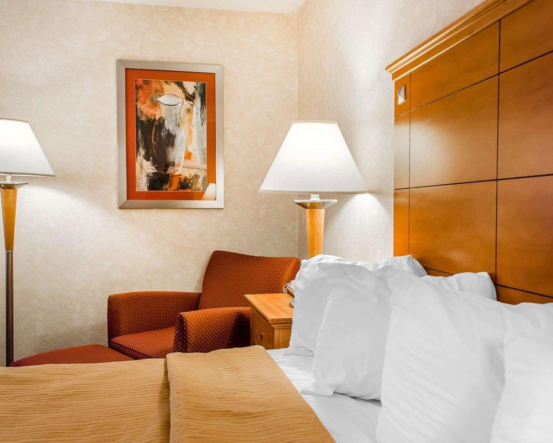 Room - Quality Inn Harrisburg