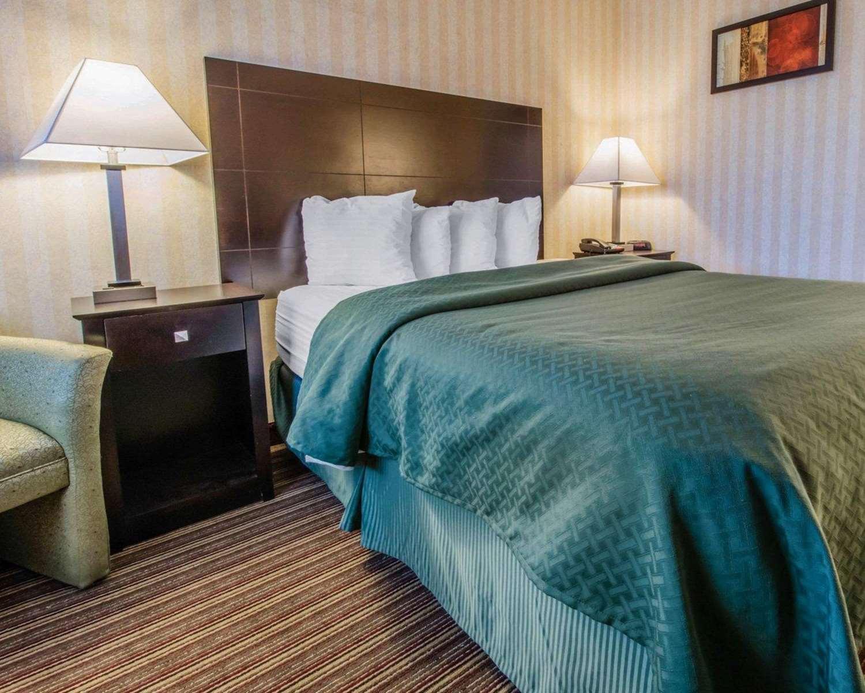 Room - Quality Inn Barkeyville