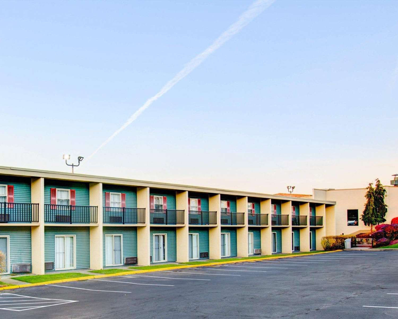 Exterior view - Comfort Inn Conference Center Penn Hills