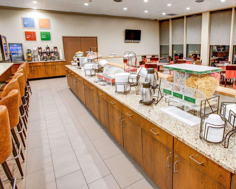 Restaurant - Comfort Inn Conference Center Penn Hills