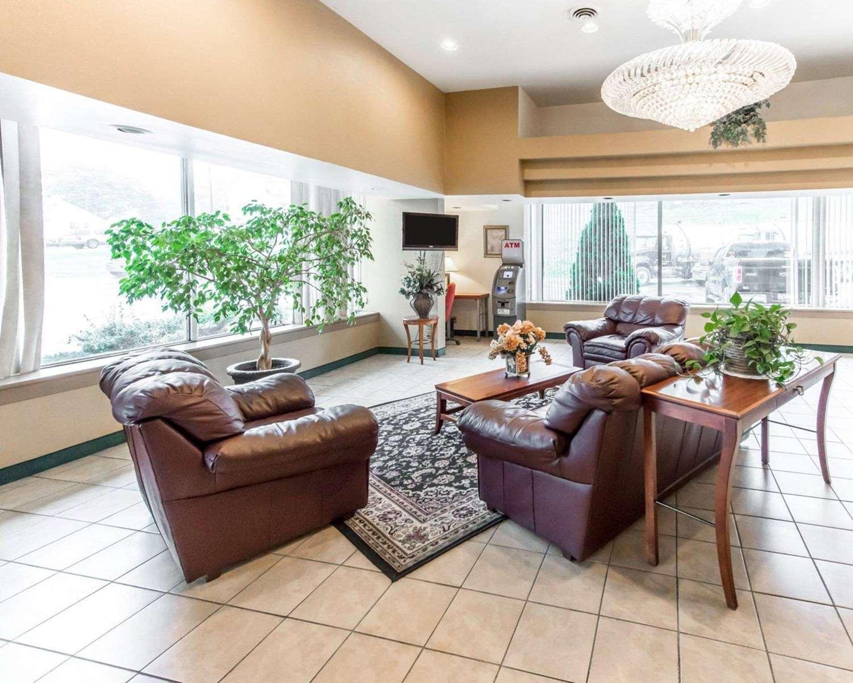 Lobby - Econo Lodge New Stanton