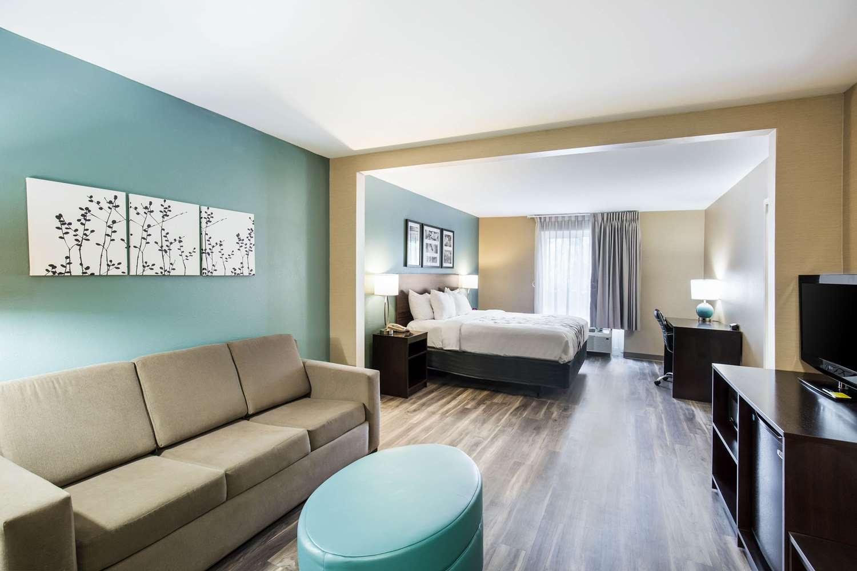 Room - Sleep Inn & Suites Dunmore