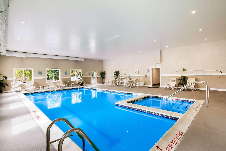 Pool - Sleep Inn & Suites Dunmore