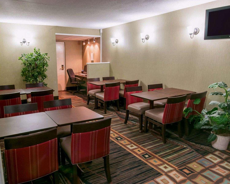 Restaurant - Quality Inn Easton