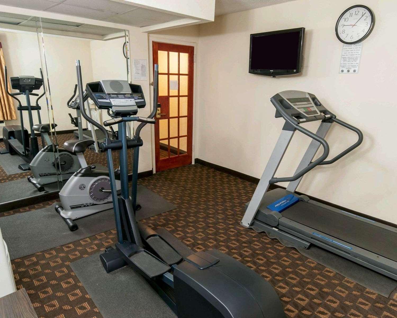 Fitness/ Exercise Room - Quality Inn Easton