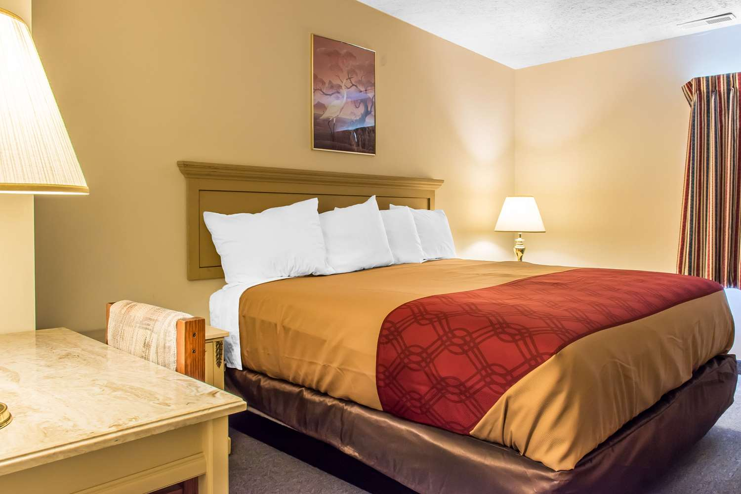 Suite - Econo Lodge Inn & Suites White Haven