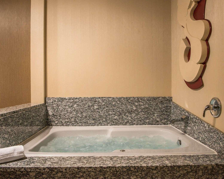 Suite - Comfort Suites Monroeville