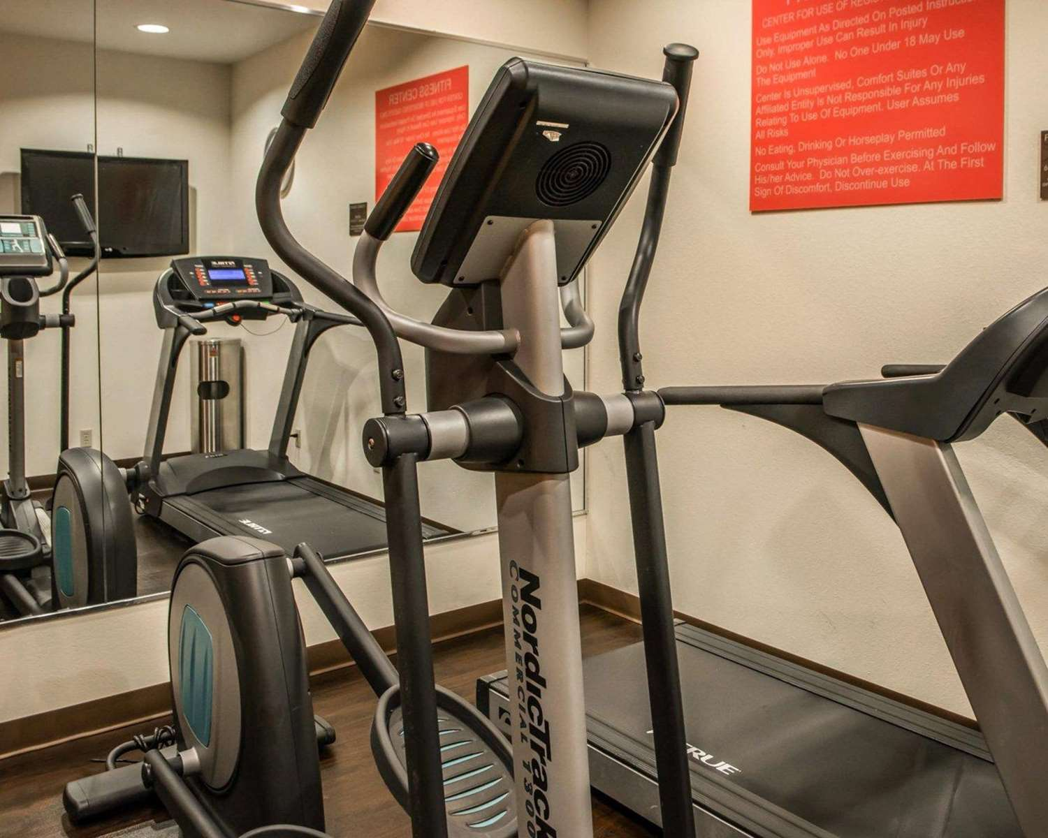 Fitness/ Exercise Room - Comfort Suites Monroeville