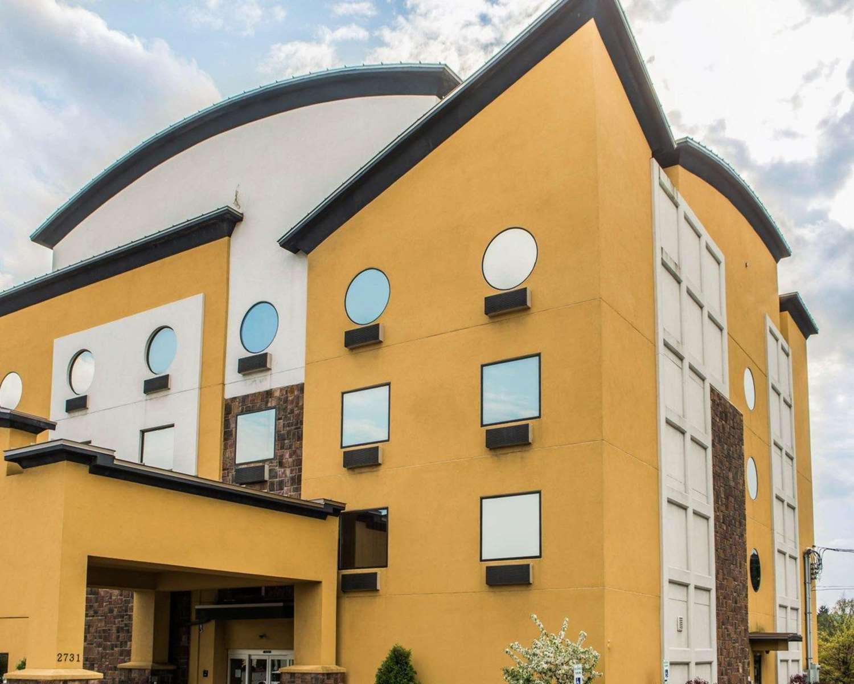 Exterior view - Comfort Suites Monroeville