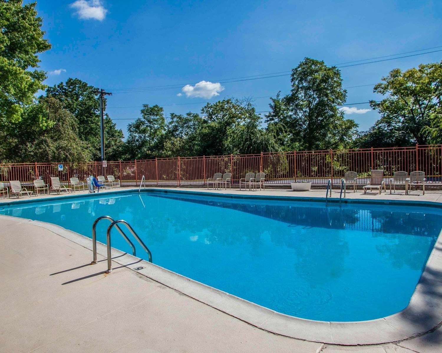 Pool - Quality Inn Pottstown