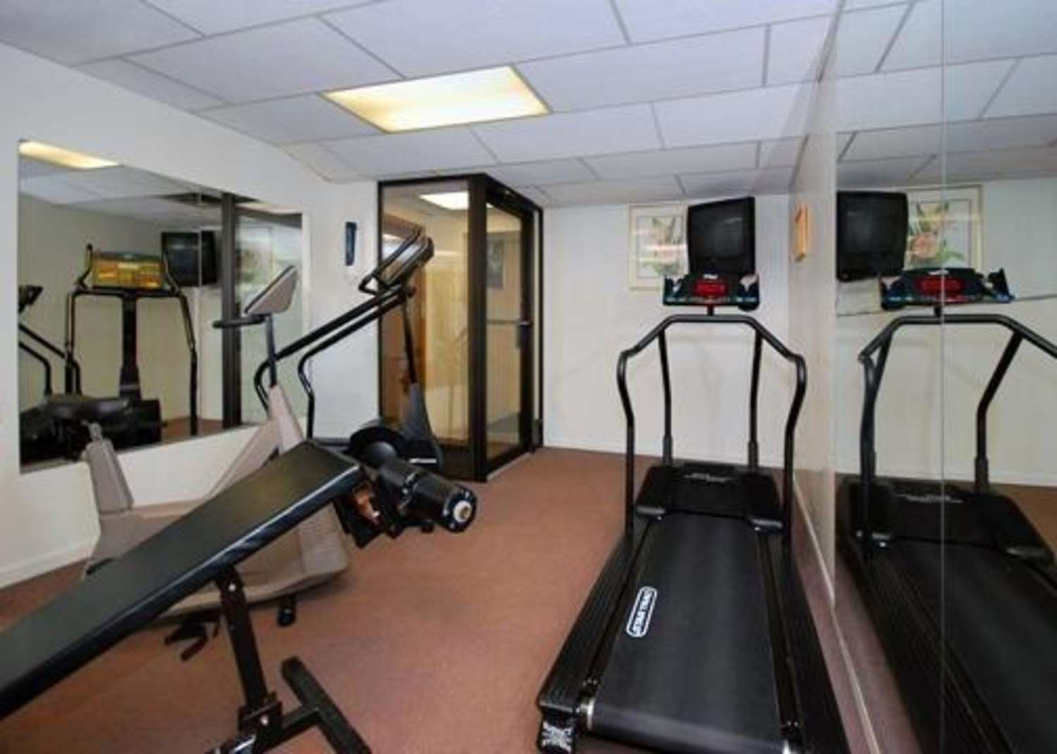 Fitness/ Exercise Room - Quality Inn Pittsburgh Airport Oakdale