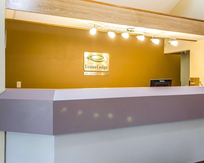 Lobby - Econo Lodge Northeast Harrisburg