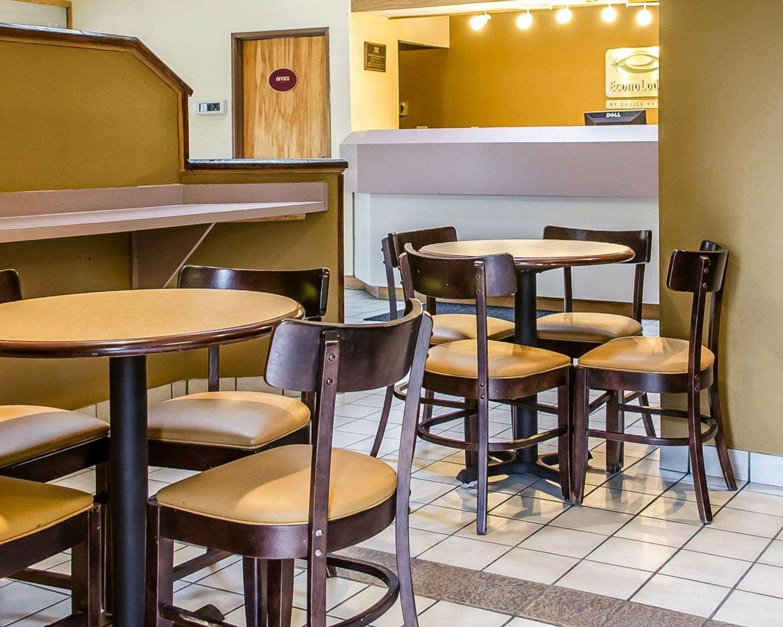 Restaurant - Econo Lodge Northeast Harrisburg
