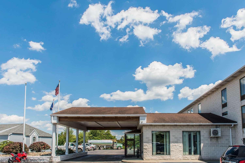 Exterior view - Quality Inn Waynesburg