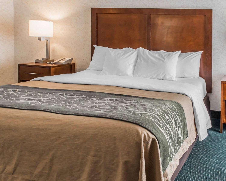 Room - Quality Inn Waynesburg