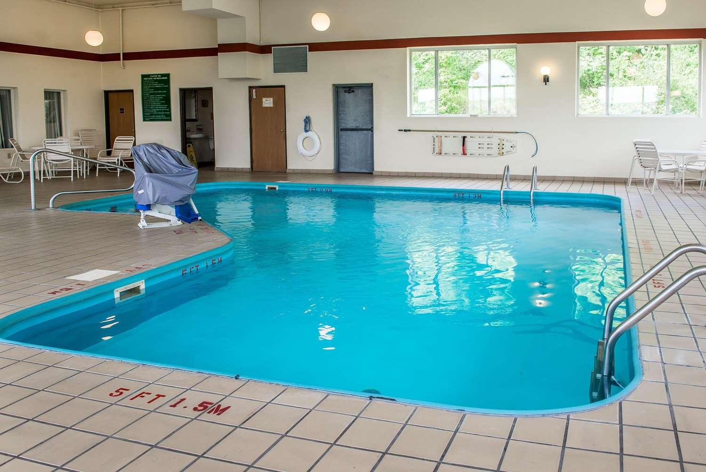 Pool - Comfort Inn New Stanton