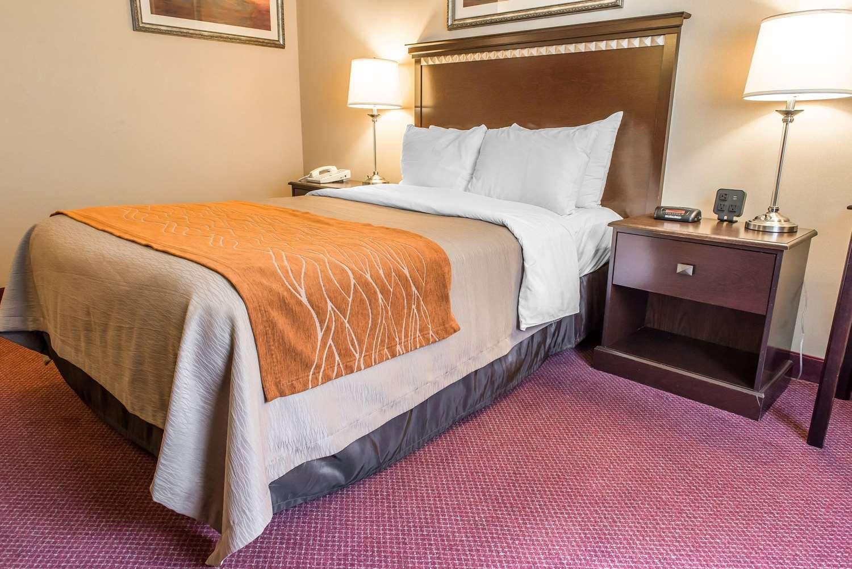 Room - Comfort Inn New Stanton