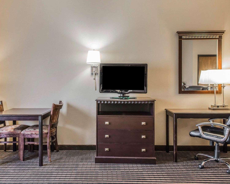 Suite - Comfort Inn West Mifflin