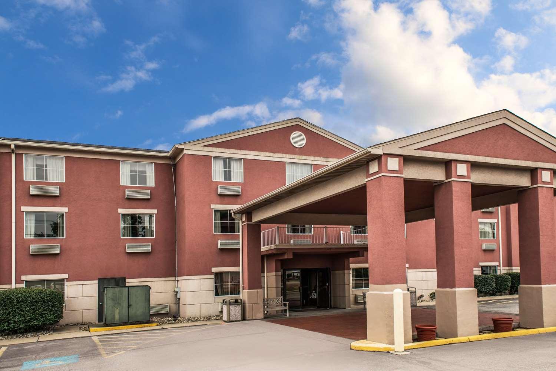 Exterior view - Comfort Inn West Mifflin