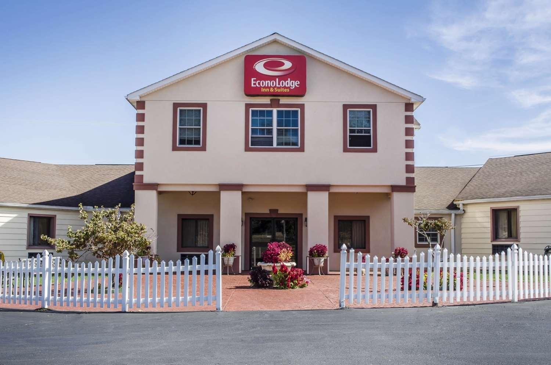 Exterior view - Econo Lodge Inn & Suites Denver
