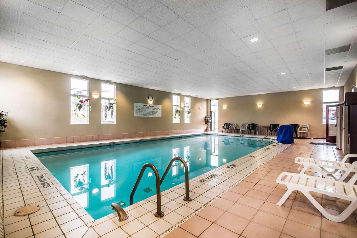 Pool - Comfort Inn Towanda