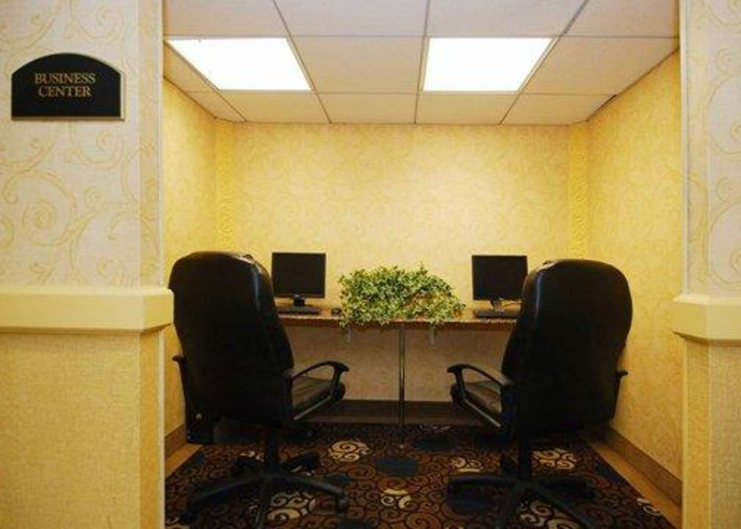 Conference Area - Quality Inn & Suites Bensalem