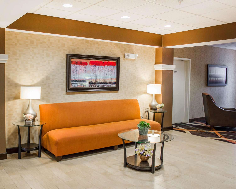 Lobby - Comfort Suites Lewisburg