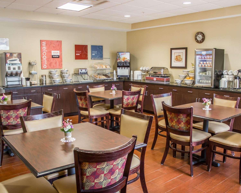 Restaurant - Comfort Suites Lewisburg