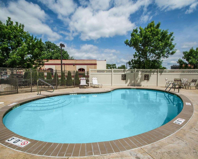 Pool - Quality Inn & Suites Morrisville
