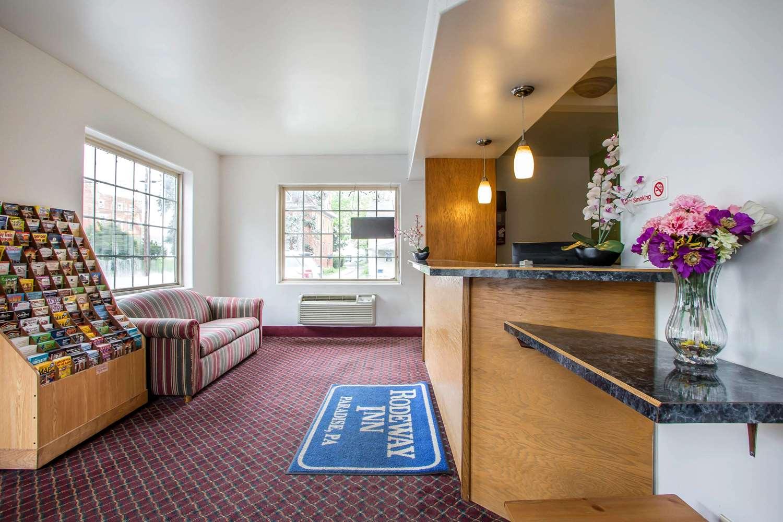 Lobby - Rodeway Inn Paradise