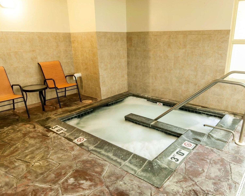 Pool - Comfort Suites Exton