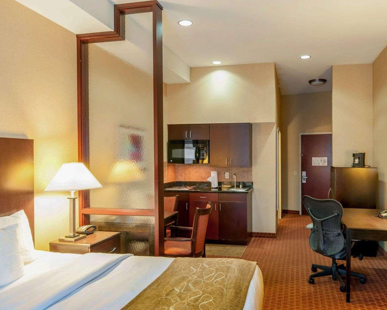 Suite - Comfort Suites Exton