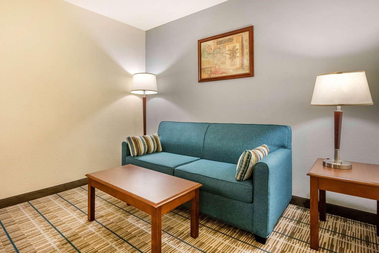 Suite - MainStay Suites Grantville