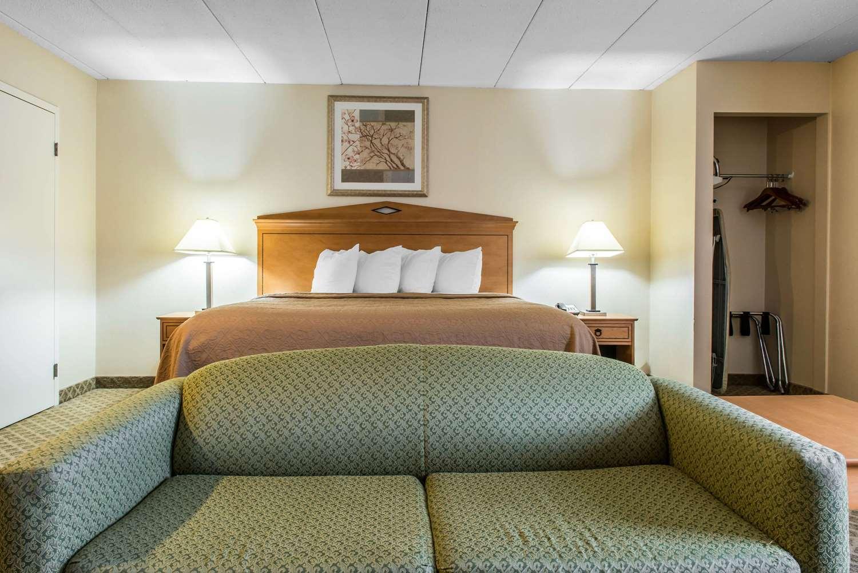 Suite - Quality Inn & Suites Fairview