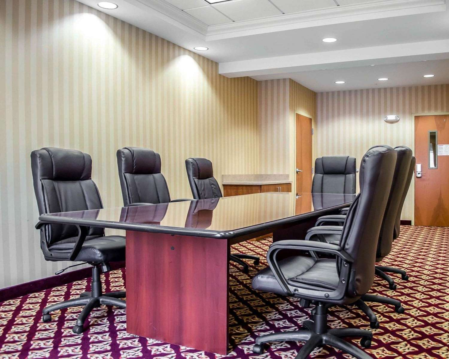 Meeting Facilities - Comfort Suites Hummelstown