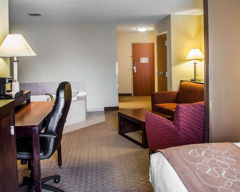 Suite - Comfort Suites Hummelstown