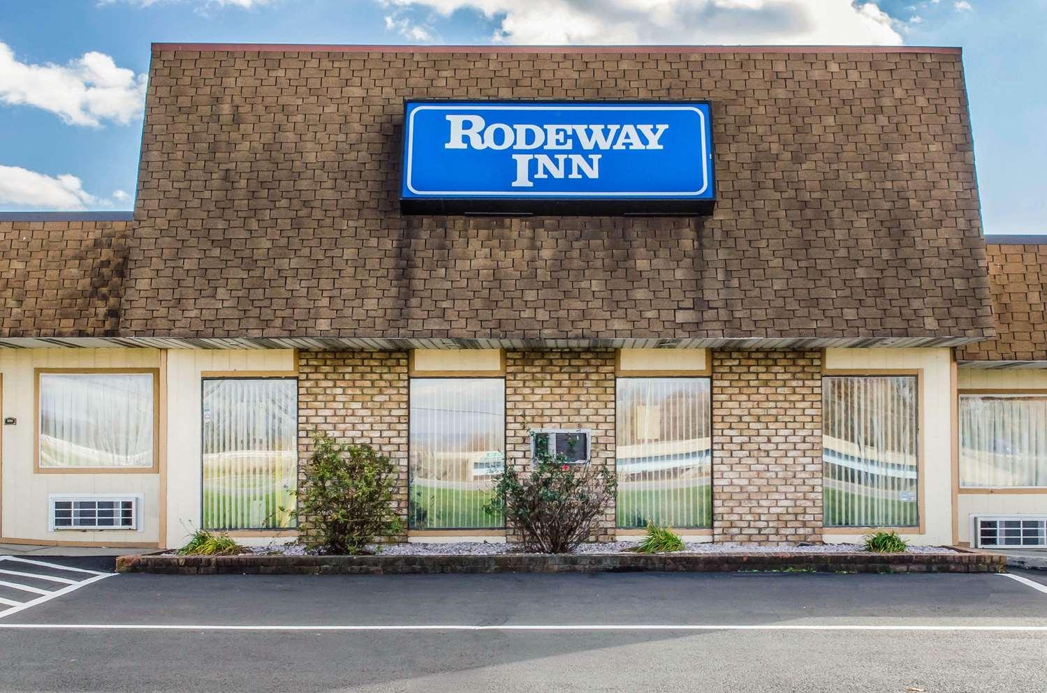 Exterior view - Rodeway Inn Shippensburg