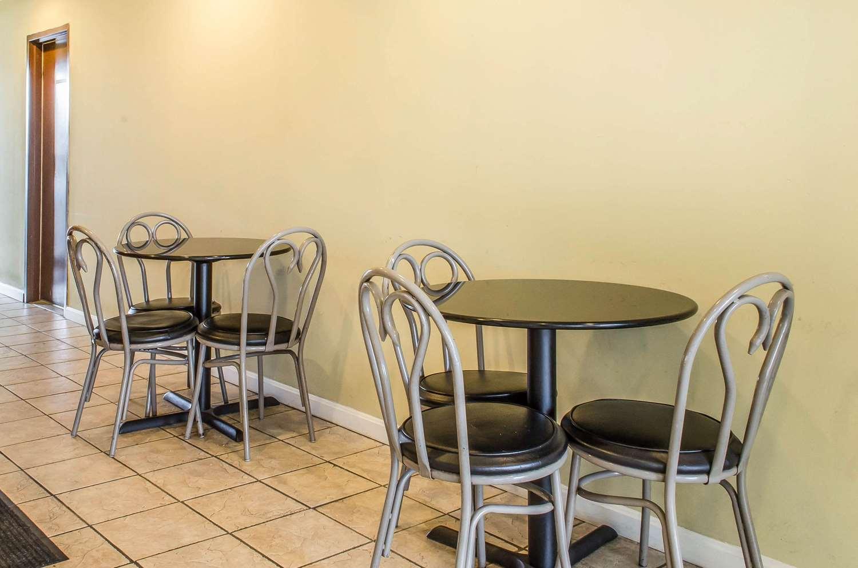 Restaurant - Rodeway Inn Shippensburg