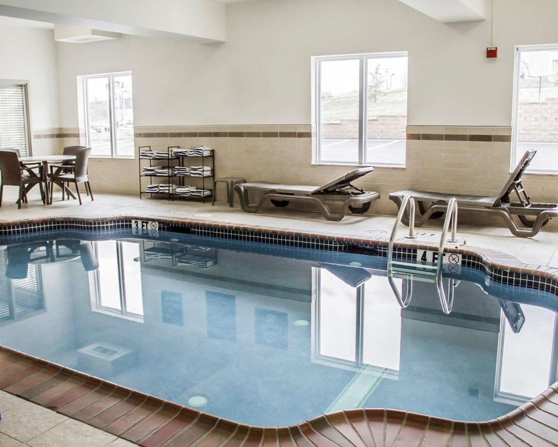 Pool - Sleep Inn Harrisburg